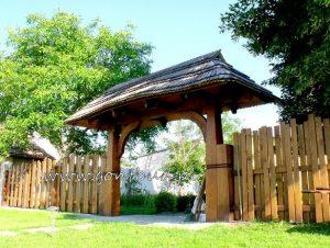 Dębowa brama wjazdowa / furtka wejściowa do ogrodu